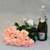Bouquet of 15 pink roses and champagne. Price: 69 USD